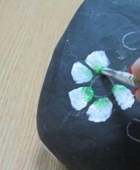 آموزش طراحی روی سنگ